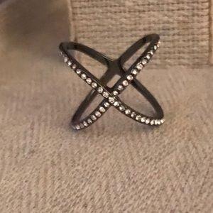 Jewelry - cris cross ring